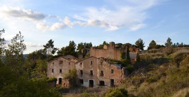 Pueblo abandonado en España