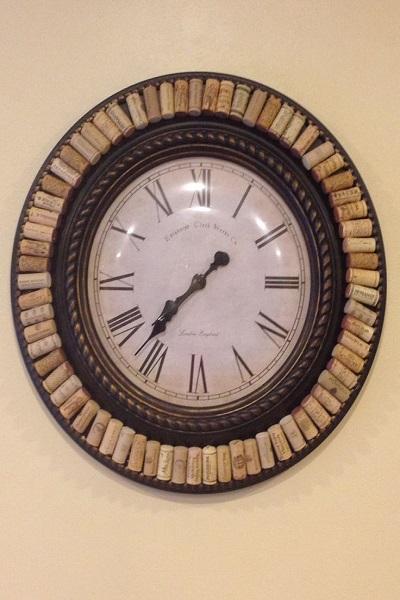 reloj con tapones de corcho