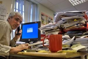 Decorar una oficina sirve de poco si el ambiente es de desorden
