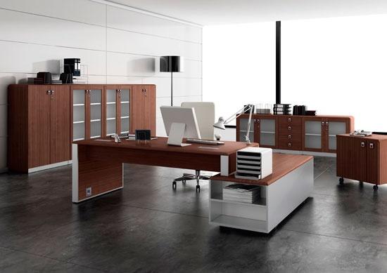 Para decorar una oficina y que no quede parcheada ni de sensación de agobio, combinar paredes con los muebles es una excelente opción