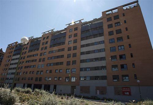 Edificio de pisos vacíos