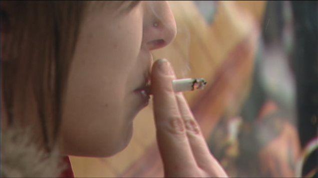¿Se puede fumar en la escalera?