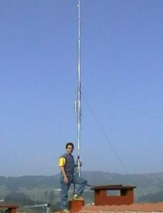 Los permisos para la instalación de una antena de radioaficionado requieren que no produzca interferencias