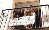 Pancarta en el balcón