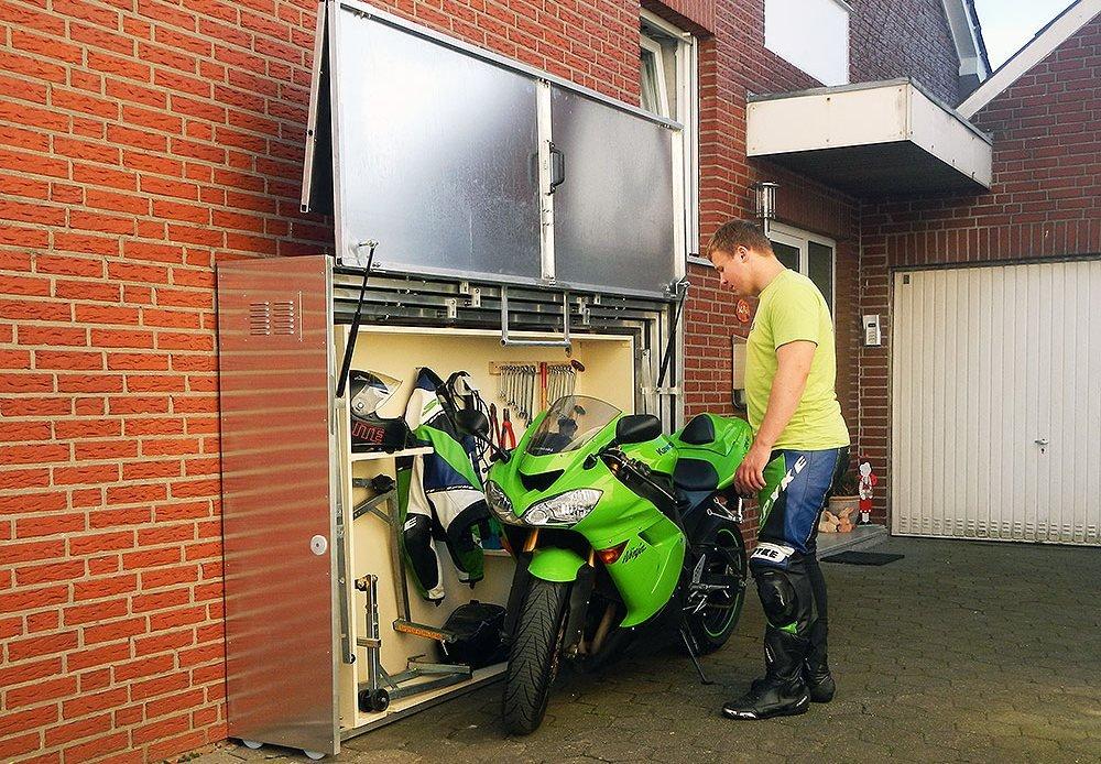 Garaje para motos con taller