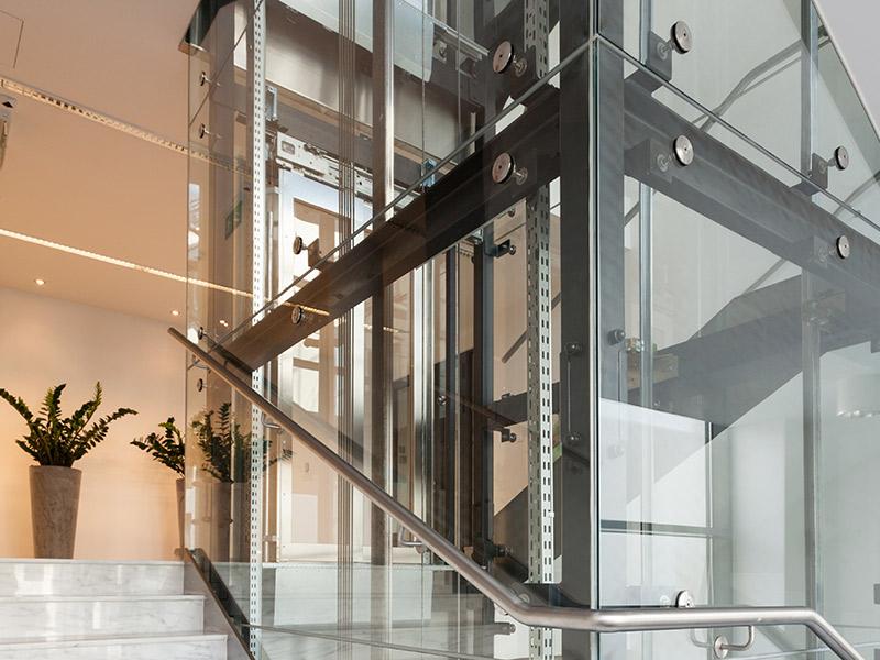 Ascensor en el interior de una vivienda