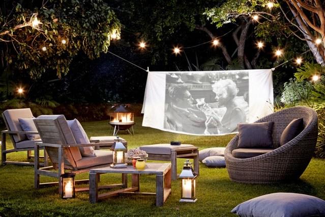 Como hacer un cine en el jardín