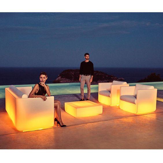 Iluminar con muebles