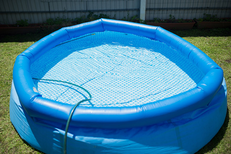 Cómo cuidar una piscina portátil