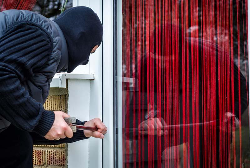 Qué hacer si descubres un ladrón en casa