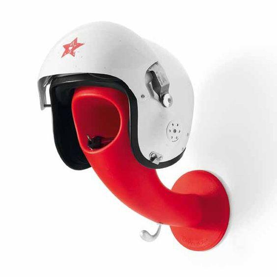 Soporte para cascos moderno