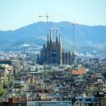 Estar bien comunicado con Barcelona es una gran ventaja de los mejores pisos en alquiler o venta de Cataluña