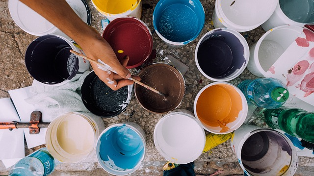 Consejos y tendencias para pintar las paredes de una casa
